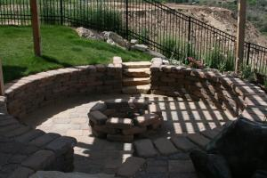 Fire pit and seat wall